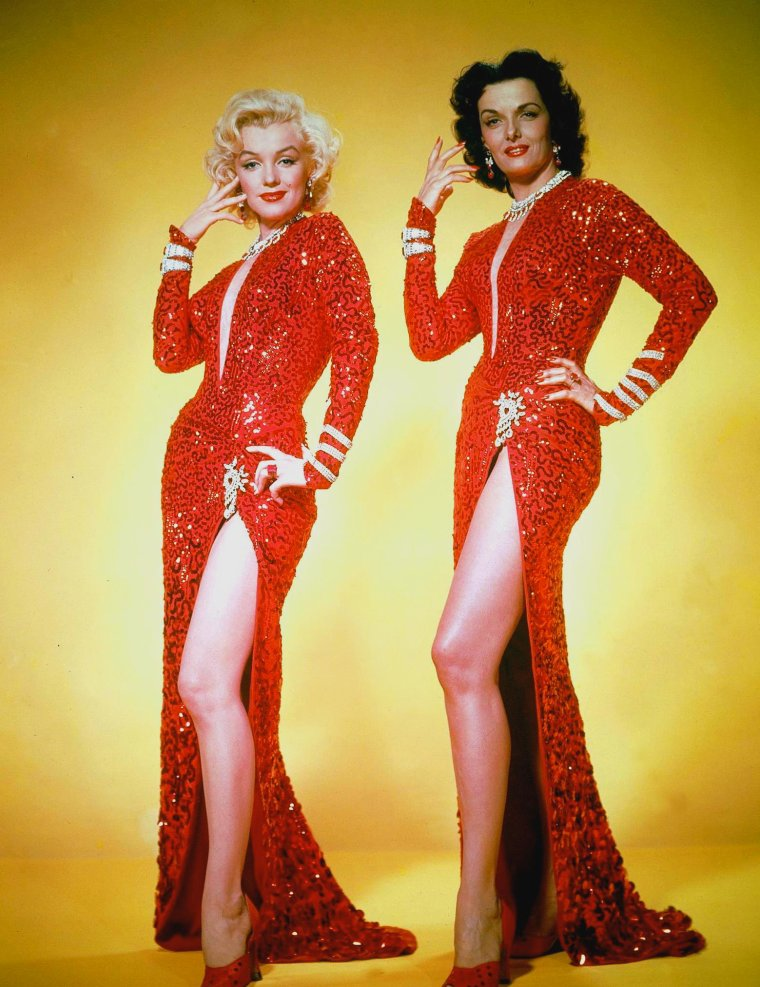 "1953 / by Edward CLARK... Marilyn et Jane RUSSELL répétant la première chorégraphie du film ""Gentlemen prefer blondes"", où elles chantent ""A little girl from little rock""..."
