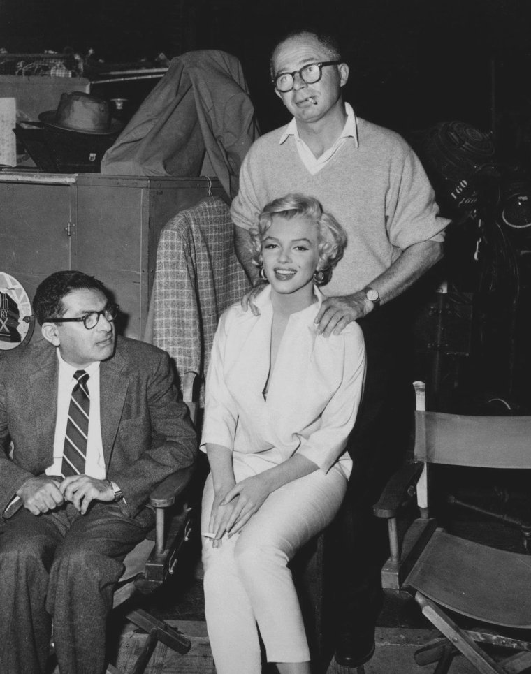 "1954 / Marilyn lors du tournage de ""The seven year itch"", aux côtés de Tom EWELL sous la direction de Billy WILDER."