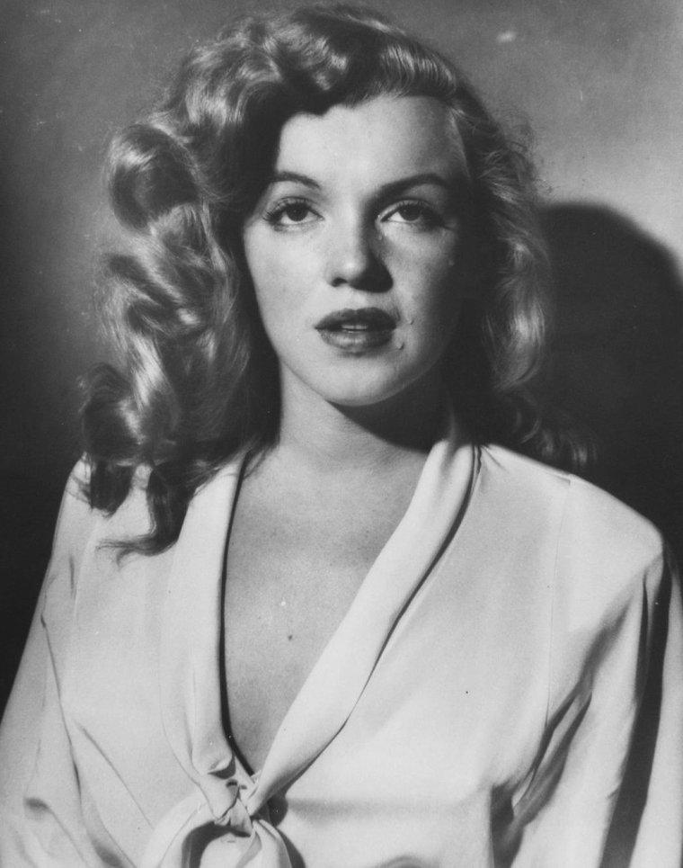 1949 / Starlet Marilyn by Philippe HALSMAN
