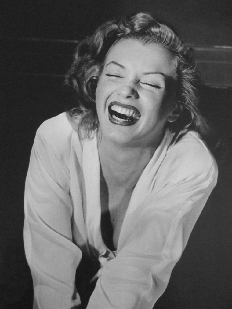 1949 / Starlet Marilyn by Philippe HALSMAN