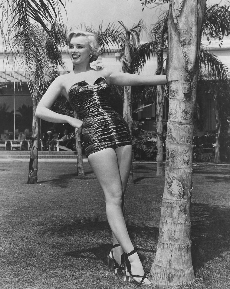 "1951 / Marilyn on the set of ""Let's make it legal""."