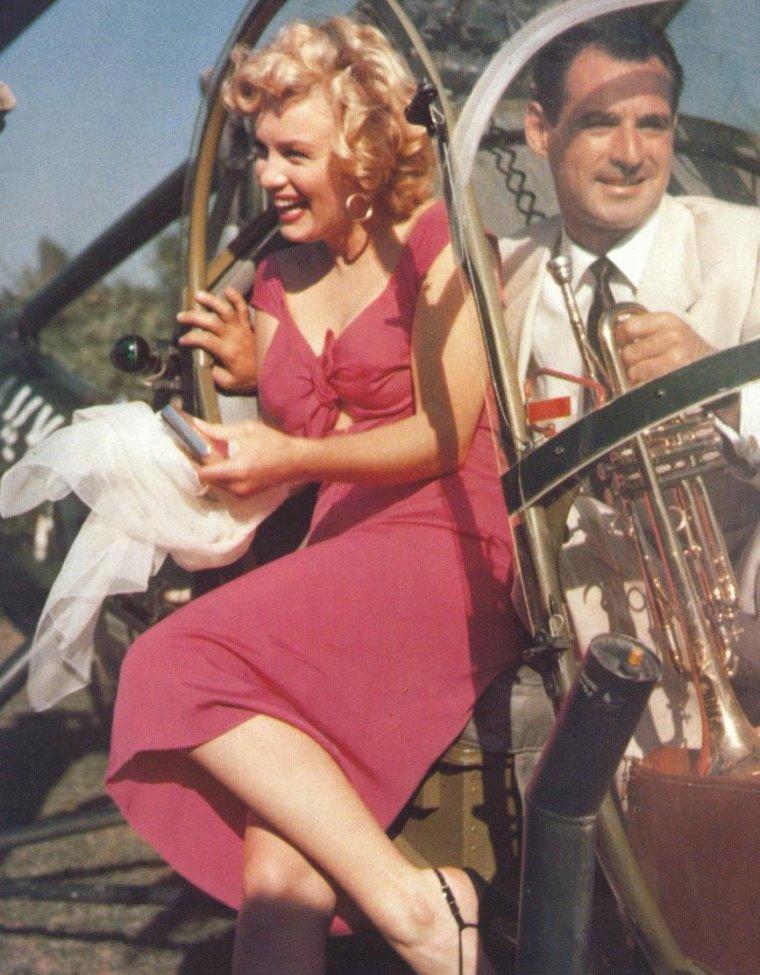 """1952 / Marilyn se rend par hélicoptère à la """"Ray ANTHONY party"""" où elle est l'invitée d'honneur... (part 5, voir TAG)."""