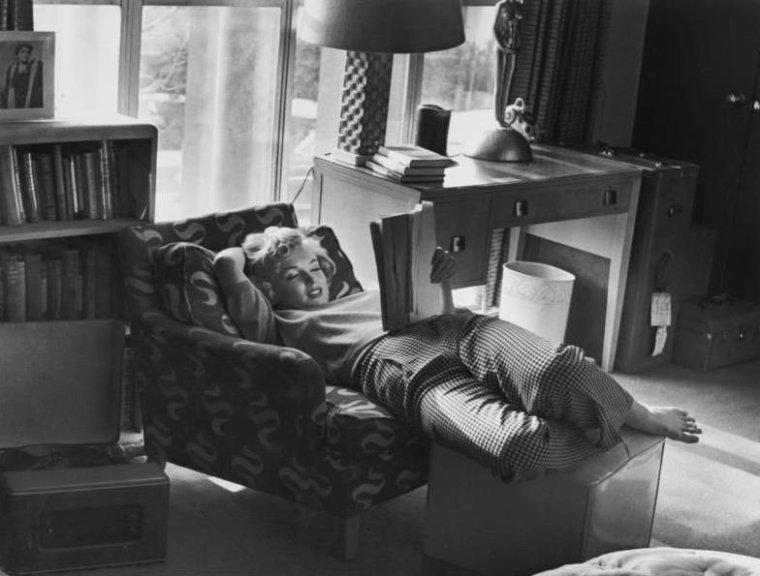 articles de wonderful marilyn monroe tagg s andre de dienes page 3 wonderful marilyn. Black Bedroom Furniture Sets. Home Design Ideas