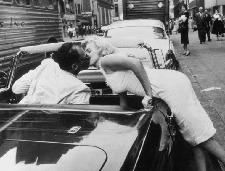 1957 / by Sam SHAW... Une journée à Manhattan...