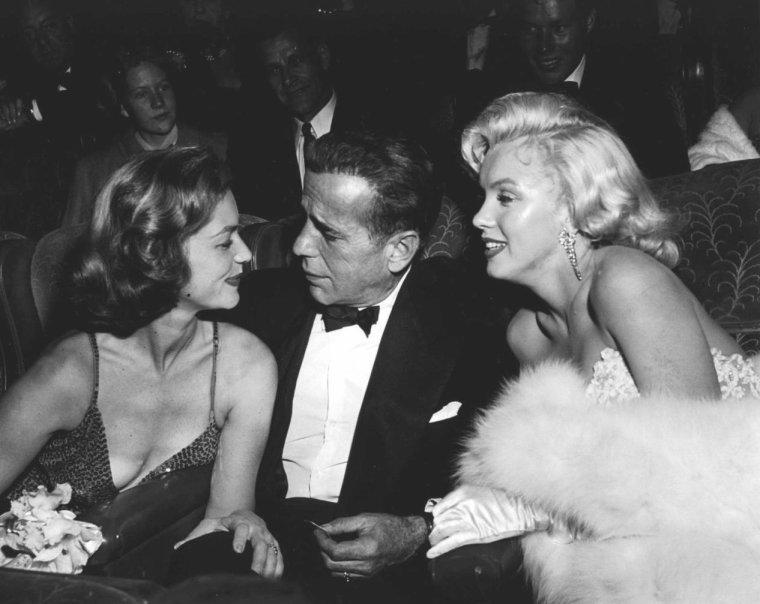"""1953 / Wonderful Marilyn lors de la Première du film """"How to marry a millionaire"""", où elle partage la vedette avec Lauren BACALL et Betty GRABLE. (part 3, voir TAG)."""