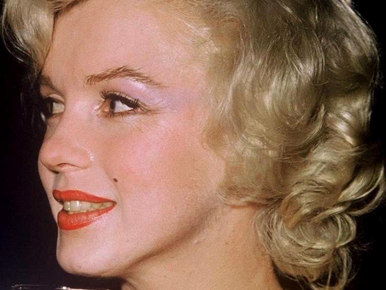 """1958 / by Earl LEAF et Roger MARSHUTZ...  Conférence de presse organisée au Beverly-Hills Hotel pour la sortie du film """"Some like it hot"""", avec Tony CURTIS et le réalisateur Billy WILDER. (part 5, voir TAGS)."""
