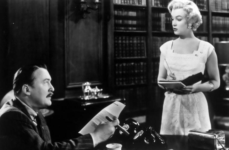 """1951 / Marilyn dans diverses scènes du film """"As young as you feel"""", où elle joue une secrétaire."""