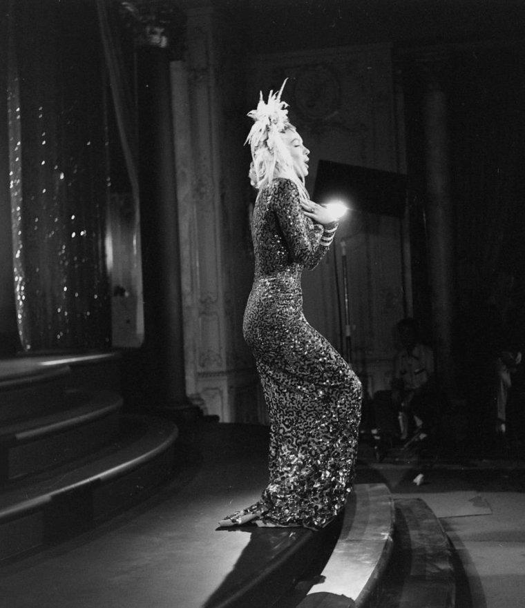 """1953 / by Edward CLARK... Marilyn et Jane RUSSELL répétant leur chorégraphie où elles interprètent la chanson """"A little girl from little rock"""" pour le film """"Gentlemen prefer blondes"""". (part 2, voir TAGS). (avec des robes signées William TRAVILLA)."""
