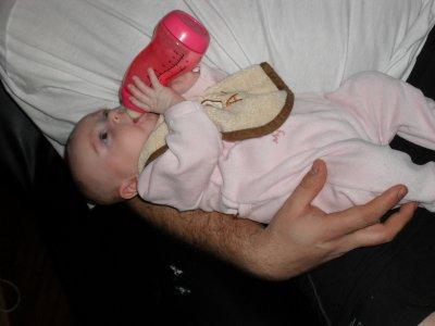 lara a 3 mois oui son bibi toute sel