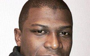 La famille d'Amadou Koumé, mort étranglé dans un commissariat de Paris, exige des explications