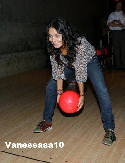 Vanessa au bowling!!sa promet