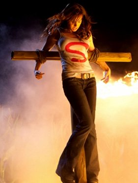 "Smallville 10.01 ""Lazarus"" et Supernatural 6.01 ""Exile on Main St."" et The Vampire Diaries 2.03 ""Bad Moon Rising"" et  Hellcats 1.03 ""Beale St. After Dark"" et Life Unexpected 2.02 ""Parents Unemployed"""