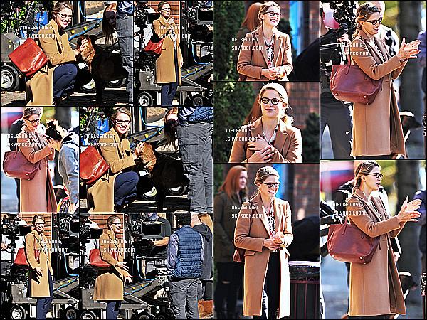 * 10/10/18 :    Melissa a été aperçue sur le tournage de la série « Supergirl » qui se déroulait à Vancouver - au Canada. Melissa est toute belle et souriante. Elle est trop mignonne avec le chien. J'aime beaucoup la tenue qu'elle porte, son sac est joli aussi. Un Top pour moi.  *