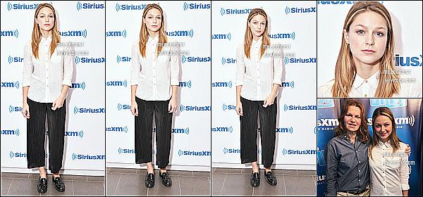 * 12/07/18 :    Melissa Benoist était présente dans les studios de l'émission de radio « SiriusXM » - située à New York. Pas beaucoup de photos sont disponibles. Melissa est toute ravissante. Sa coiffure est jolie. J'aime trop la tenue qu'elle porte. Je lui donne donc un Top !  *
