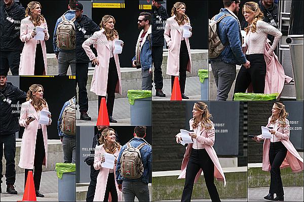 * 07/03/19 :    Melissa a été aperçue lorsqu'elle était sur le tournage de la série « Supergirl », à Vancouver, au Canada. Le tournage de la série reprend après plusieurs mois de pause. Melissa est très jolie. J'aime beaucoup la tenue qu'elle porte. surtout son manteau - Top !  *