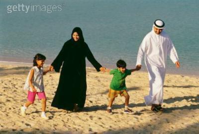 Bien avec tes parents tu seras bien avec Dieu puisque le Paradis ne se trouve pas très loin d'eux.. ♥