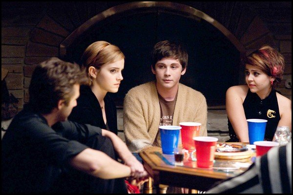 "Nouvelle photo de ""'The Perks of Being a Wallflower"" + Nouvelle photo pour ""Rouge in love"""