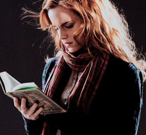 Feuille à Fanfiction : Et si tout était différent ? - Harry Potter.