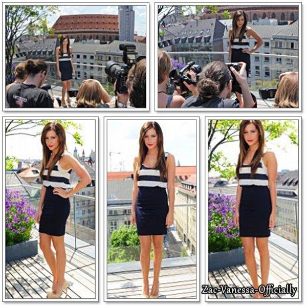 Flach-Back 2011:  Ashley : Photocall pour la promotion de Sharpay's Fabulous Adventure à Munich