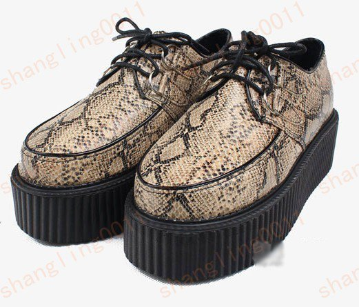 AGAIN, i commended shoes from ebay. Other creepers of course i love creepers! But this time they're in snake motif and those fabulous imitation of jeffrey campbells Litas in black PU hope you like these and click on the pictures to see the links pf where i took them.