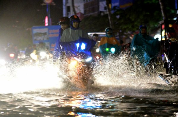 Pluie à gog'Hồ.