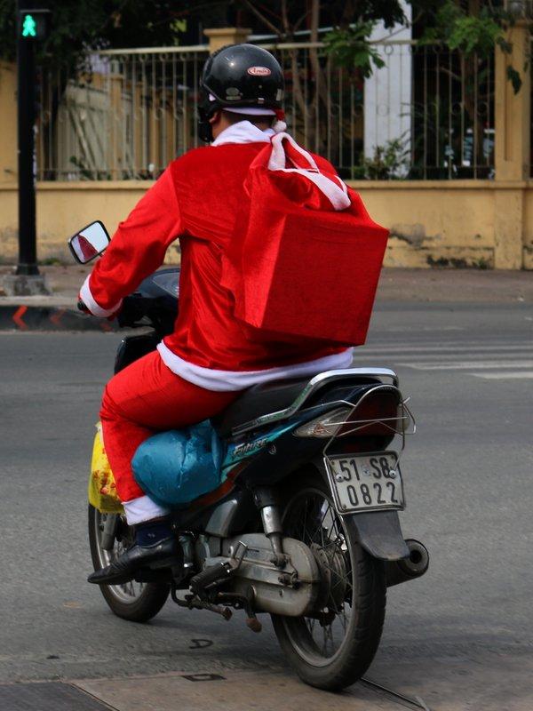 Petit Papa Noël.