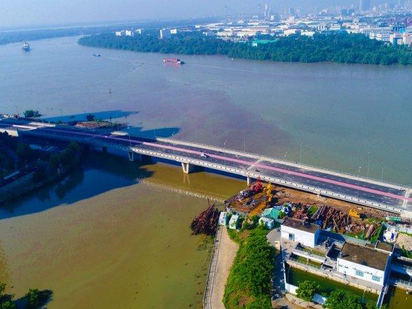 Encore un nouv'Hồ pont.