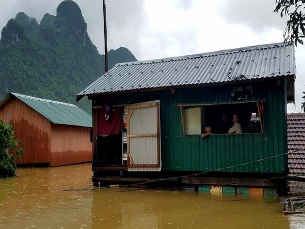 Histoire d'Hồ... encore.