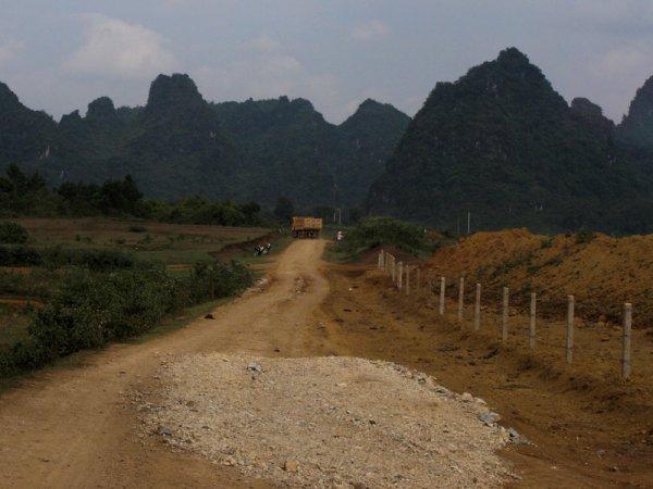 Des trous dans le rés'Hồ.