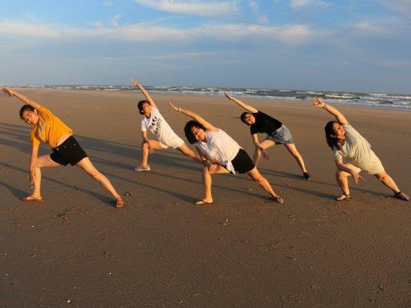 De l'Hồ et du yoga.