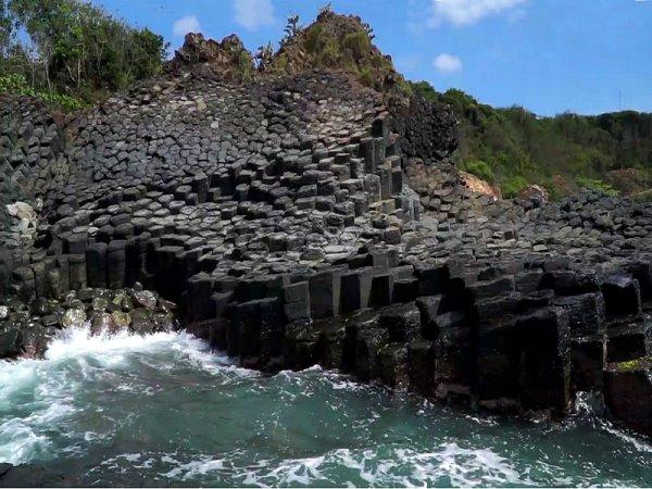 R'Hồ-che volcanique.