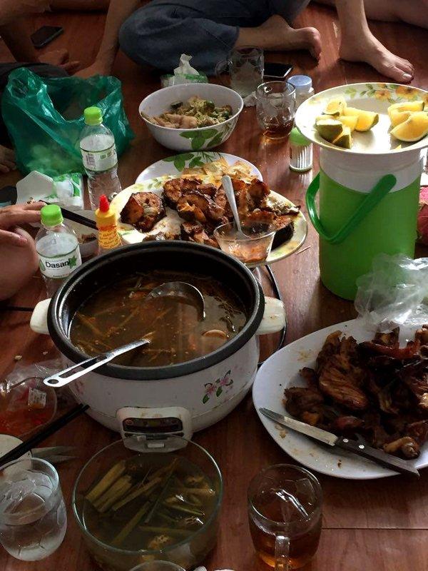 At Hồ-me.