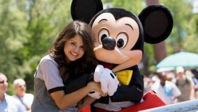 La jeune Selena vient de fêter son anniversaire pour ses 19 ans avec Justin à Disneyland
