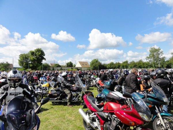 9ème Fête de la Moto au profit de la greffe de moelle a Litz (60) le 17.06.2012.
