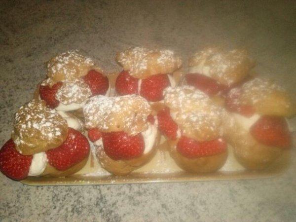 Choux à la crème au fraises