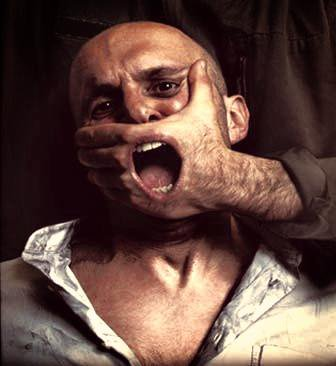 """Quand le monde préfère se taire plutôt que de se mettre une personne à dos par peur des représailles ou du """"qu'en dira-t-on?""""."""