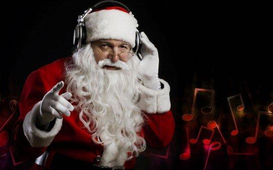 Le père Noël s'est transformé en gangster . Tout droit venu de la banlieue nord du Pole Nord, il vient vous annoncer qu'il n'y aura pas de cadeaux cette année.