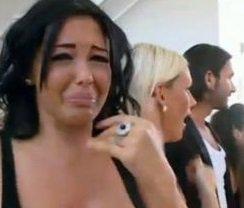 Jo latino TV info : Nabilla a Tué son Chien et a Agressé une Femme dans la rue à Coup de Talon aiguille et pour finir elle a planté Son Mec