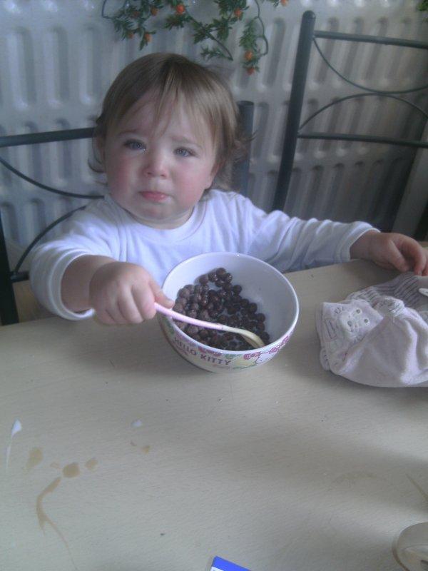 !!!moi au matin he oui peti dejeuner comme mes soeure