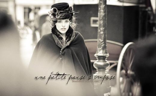 """"""" Loin du froid de décemmmbre ..."""" Anastasia"""