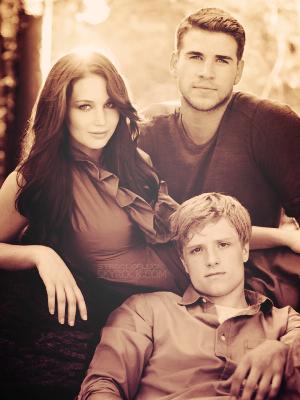 Hunger Games ~ la Trilogie Personne ne m'oubliera. Ni mon visage ni mon prénom. Katniss. La fille du feu.