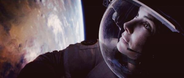"""Cin℮ma """" Gravity: Le film de l'année ! """" l'Express"""