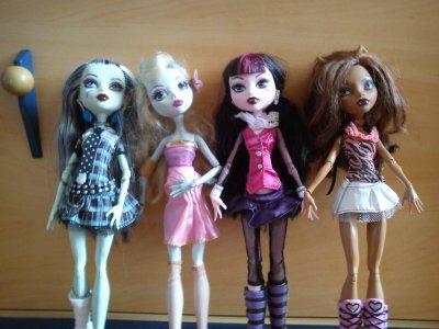 Moi , Louna , Lorie & Mélodie
