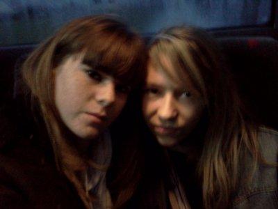 moi et ma jumelle <3
