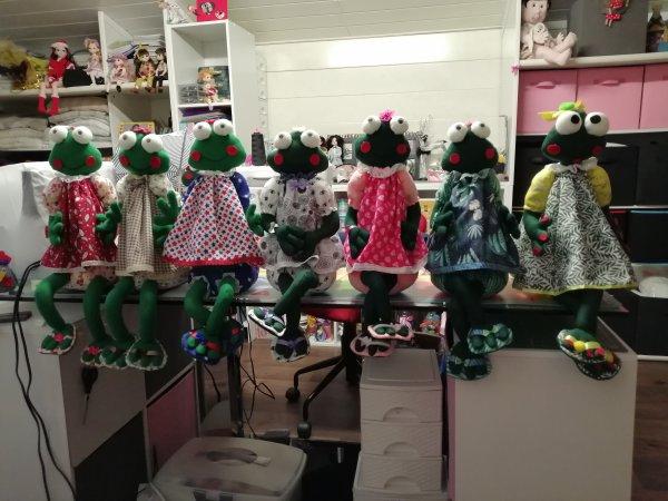 Voilà 7 grenouilles bien sage