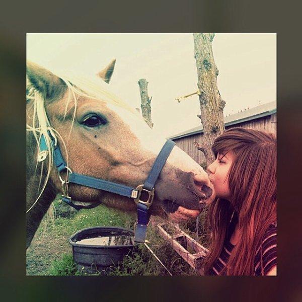 Clara et moi !!!! Je l'aime !! Texte qui vient de moi !! ^.^
