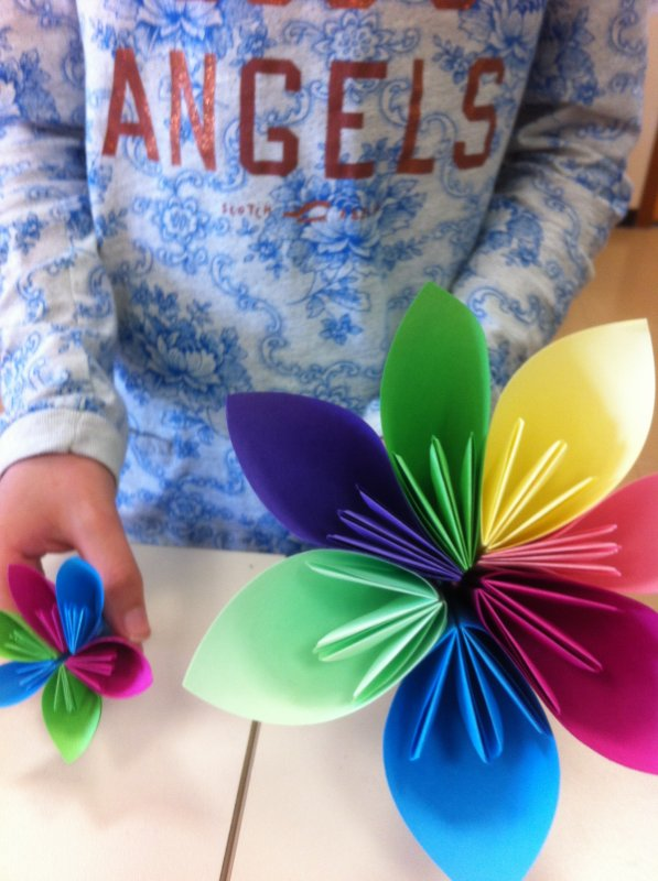 grande fleur et petite en origami