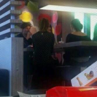 Louis & Eleanor au McDo; Aujourd'hui: 17/05