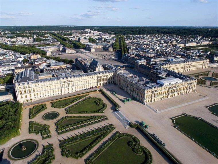 Le Château de Versailles....