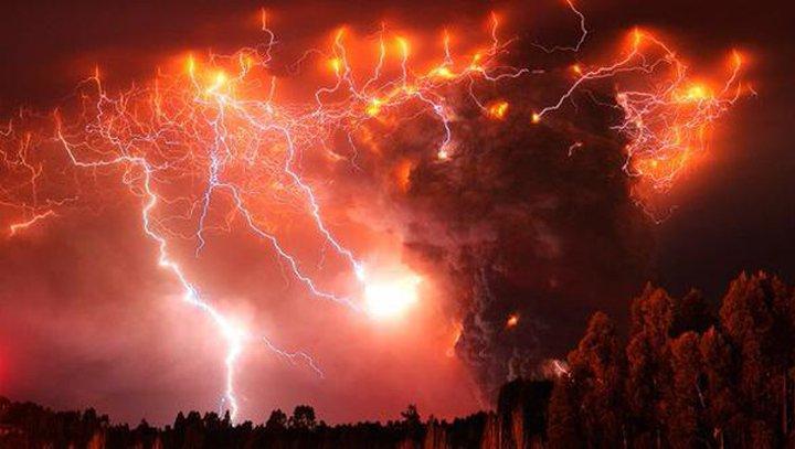 l'éruption du volcan Calbuco en 2015....
